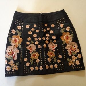 FREE PEOPLE Embroidered Leather Skirt Size 4
